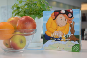 Buch mit Apfelschale