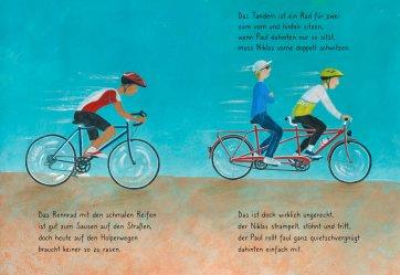 """Innenseite von """"Rauf aufs Fahrrad, fertig, los! Eine bunte Radpartie."""" Es ist ein Mann auf einem Rennrad und zwei Männder auf einem Tandem zu sehen."""