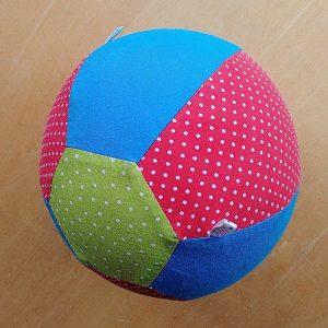Geschenkidee für zweijährige Jungs. Luftballonhülle selber nähen