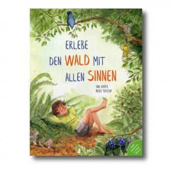 """Produktbild von """"Erlebe den Wald mit allen Sinnen"""". Man sieht einen Jungen, der Grashalmkauend in Wald liegt."""